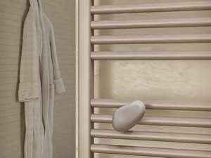 MB TOWEL HEATER HANGER GREY RIVERSTONE