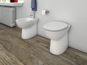 BERNA RIMLESS BACK-TO-WALL FLOOR-MOUNTED PAN UNIVERSAL DRAIN