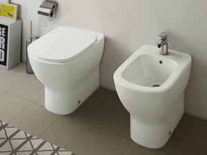 Accessori Sanitari Ideal Standard.Ideal Standard Tesi Wc Back To Wall Aquablade Sedile Slim Rallentata Iperceramica