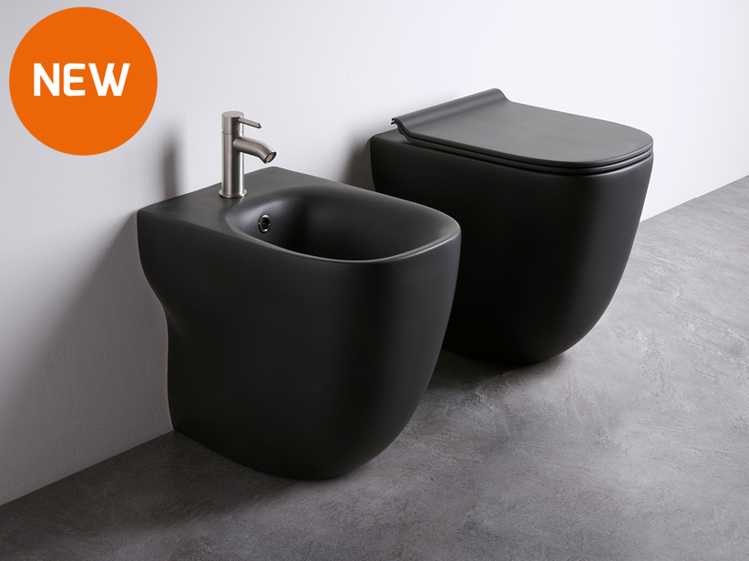 Wild Rimless floor-mounted sanitary ware black matt